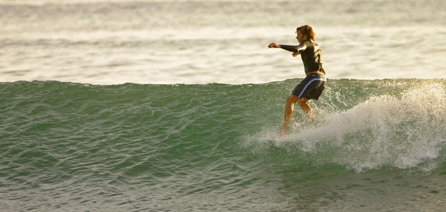 """""""A Surf Movie by Dr.Ank: Shadow Lines"""" su Vimeo"""